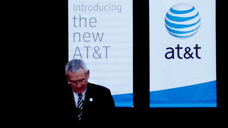 Edward Whitacre, chairman and chief executive of AT&T, at a recent unveiling of the new AT&T logo at the new headquarters in San Antonio, Texas, following completion of the merger with SBC.